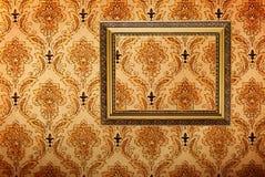 vägg för tappning för ramguld bild pläterad Royaltyfri Bild