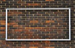 vägg för tegelstenrammetall Royaltyfria Bilder