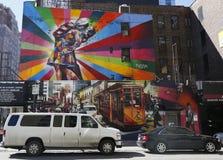 Vägg- konst av den brasilianska vägg- konstnären Eduardo Kobra i den Chelsea grannskapen i Manhattan Royaltyfri Foto