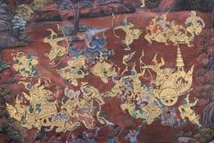 Vägg- målning på väggen av Emerald Buddha Temple i Bangkok som är thailändsk royaltyfria bilder