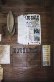 Vägg med den gamla signagen från det Amish landet Royaltyfria Bilder
