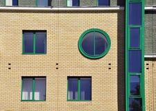 Vägg med det runda fönstret Arkivfoto