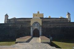 Vägg och ingång av fortet av vår dam Of Grace In Elvas Natur arkitektur, historia, gatafotografi April 11, 2014 royaltyfria foton
