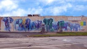 42 vägg- projekt, `-Deepellumphants ` av Adrian Torres, djupa Ellum, Texas Arkivbild