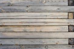 Vägg som göras av timmer Wood plankatexturbakgrund Arkivfoton
