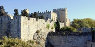 Väggar av den medeltida fästningen i Grekland Arkivbilder