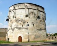 Väggar av den medeltida staden Brasov (Kronstadt), Transilvania, Rumänien Royaltyfri Fotografi