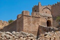 Väggar av forntida Corinth. Royaltyfri Foto
