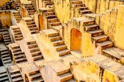 Väggar av Panna Meena Kund kliver väl, Jaipur, Rajasthan, Indien Royaltyfri Bild