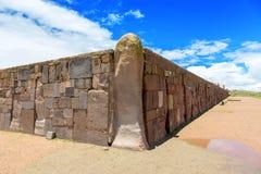 Väggar runt om tempelet Kalasasaya Arkivfoto