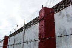 Väggar staket, fängelser, fångar, royaltyfri fotografi