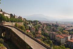 Väggarna av Bergamo Alta, Lombardy, Italien Royaltyfria Foton