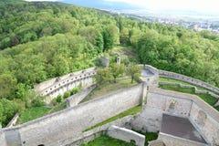 väggarna av slotten Arkivfoto