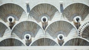 Väggen av kaskadtrappan i Yerevan Arkivfoton