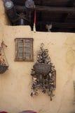 Väggen dekorerade i den orientaliska stilen i den arabiska restaurangen Arkivbild