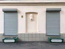 Väggen med basrelief Royaltyfri Fotografi
