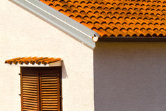 Väggen och fönstret, mediterranian arkitektur Royaltyfri Foto