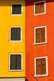 Väggen och fönstret, mediterranian arkitektur Royaltyfria Foton