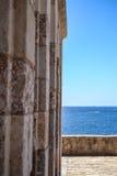 Väggen och havet Royaltyfria Bilder