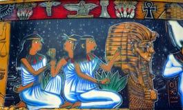 Väggmålning av egyptiska gudar Royaltyfria Foton