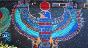 Väggmålning av egyptiska gudar Arkivbild