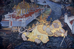 Väggmålning av Ramayana i Wat Pra Kaew, Bangkok, Thailand Royaltyfri Foto