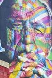Väggmålning från den brasilianska grafittikonstnären Kobra i Sao Paulo Arkivfoto