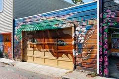 Väggmålning i beskickningområdesgrannskap i San Francisco Arkivfoton
