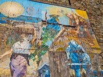 Väggmålning i Riomaggiore drevstation royaltyfri bild