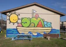 Väggmålning i trädgården av John H Reagan Elementary biskop Arts District, Dallas, Texas fotografering för bildbyråer
