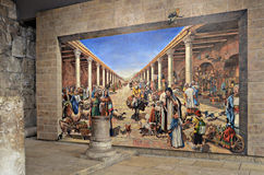 Väggmålning och Roman Columns i Jerusalem royaltyfri fotografi