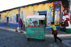 Väggmålning på ett hus på Ataco i El Salvador Royaltyfri Bild