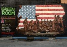 Väggmålning som firar veteran i djupa Ellum, Texas Arkivbilder