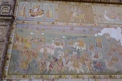 Väggmålningar av den forntida templet royaltyfri bild