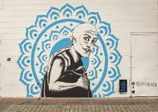 42 väggmålningar projekterar väggväggmålningen vid @omarxed djupa Ellum, Texas Royaltyfria Foton