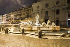 Väggspringbrunn i Rome (den Navona fyrkanten) Arkivfoto