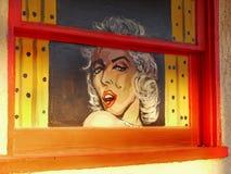 Väggväggmålning, grafitti, gatakonst, Marilyn Monroe arkivfoton