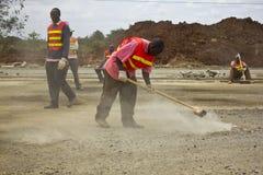 Vägkonstruktion i Kenya Arkivfoto