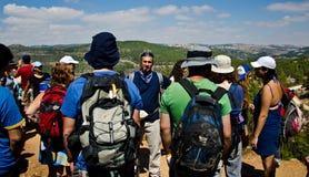 Vägleda i Jerusalem berg Arkivbilder