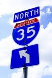 vägmärke för 35 huvudväg Fotografering för Bildbyråer