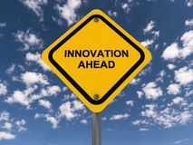 Vägmärke för innovation framåt royaltyfri fotografi
