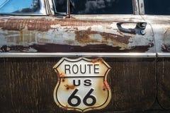 Vägmärke för Route 66 Arkivbild