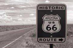 Vägmärke för Route 66 Royaltyfri Foto