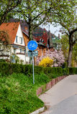 Vägmärke i bostadsområdet i Heidelberg Arkivbild