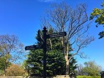 Vägmärke i Stirling, Skottland arkivbild