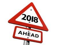 Vägmärke som framåt indikerar det nya året 2018 Royaltyfri Bild