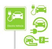 Vägmärkemall av biluppladdningsstationen med en uppsättning av symboler Arkivfoto