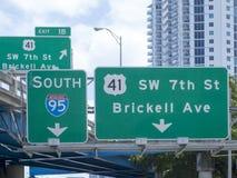 Vägmärken i i stadens centrum Miami, USA Arkivbilder