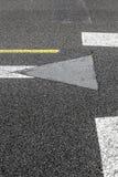 Vägmarkering på en start- och landningsbana Fotografering för Bildbyråer
