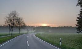vägsoluppgång royaltyfri fotografi
